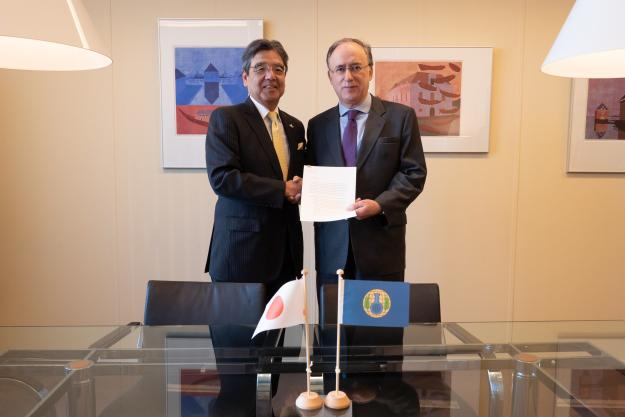 Japan's Permanent Representative to the OPCW, H.E. Ambassador Hiroshi Inomata, and OPCW Director-General, H.E. Mr Fernando Arias