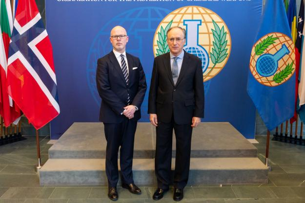 The State Secretary for Foreign Affairs of the Kingdom of Norway, H.E. Mr Audun Halvorsen, and the Director-General of the OPCW, H.E. Mr Fernando Arias