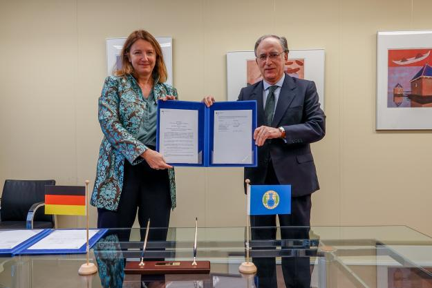 H. E. Mrs. Gudrun Lingner, Ambassador Extraordinary and Plenipotentiary, and H.E. Mr. Fernando Arias, Director-General of the OPCW