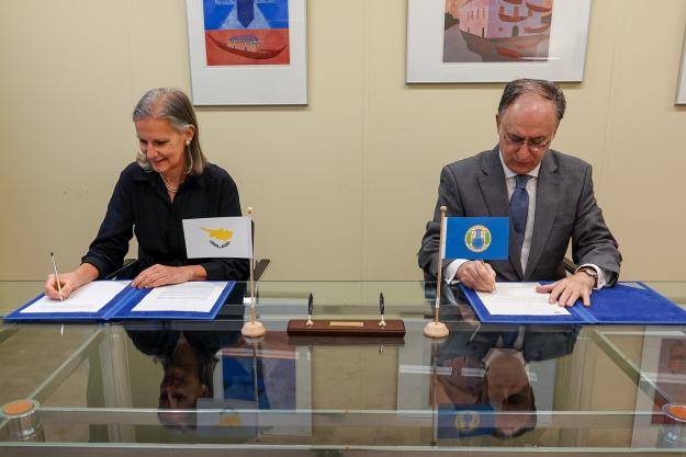 H.E. Mrs Frances-Galatia Lanitou, Permanent Representative of Cyprus to the OPCW, and H.E. Mr Fernando Arias, Director-General of the OPCW