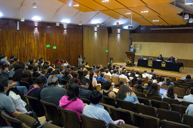 Deputy Director-General of the OPCW Mr Hamid Ali Rao delivers a lecture at the Faculty of Chemistry at the National Autonomous University of Mexico