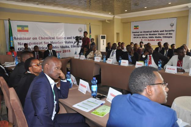 29 attendees, from 12 OPCW Member States in Africa, encompassed government officials responsible for the chemical industry, small- to medium-sized chemical industry professionals, academics and chemists