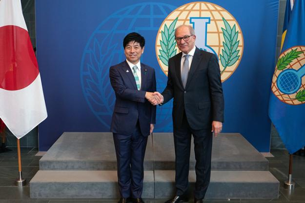 The State Minister of Foreign Affairs of Japan meeting the Director-General of the OPCW