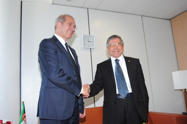 OPCW Director-General, Ambassador Ahmet Üzümcü (left), with Mr Abdelhamid Senouci Bereksi, Secretary General of the Ministry of Foreign Affairs and International Cooperation.