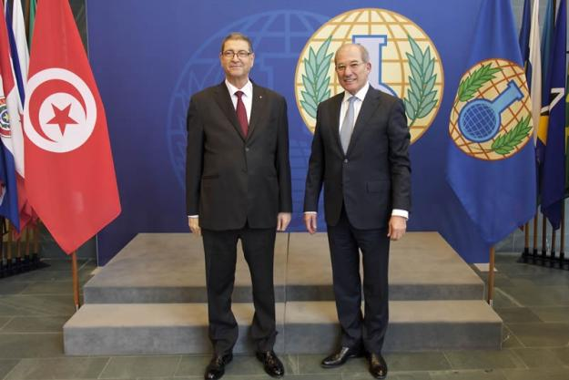 The Prime Minister of the Republic of Tunisia, Mr. Habib Essid (right), and OPCW Director-General Ahmet Üzümcü at the OPCW.