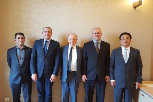From left to right: Dr Jonathan Forman (OPCW Science Policy Adviser and Secretary to the SAB), Dr Augustin Baulig, SAB member from France, Professor Matthew Meselson, Harvard University, Dr Christopher Timperley, SAB Chair from UK, Mr Cheng Tang, SAB Vice Chair from China.