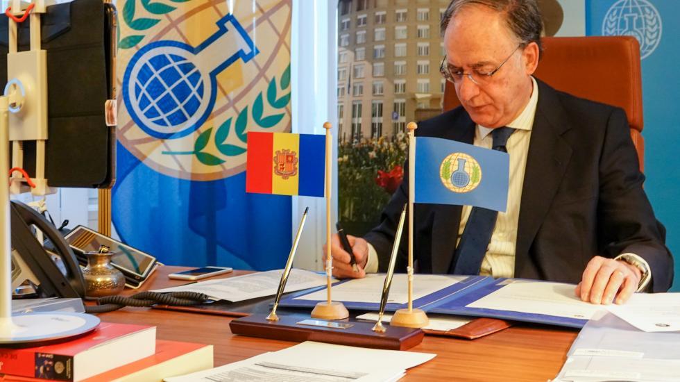H.E. Mr Fernando Arias, Director-General of the OPCW