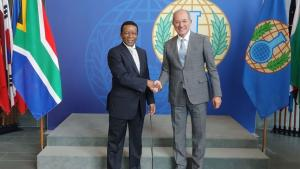 The Director-General of the Department of International Relations and Co-operation of the Republic of South Africa, Ambassador Jerry Matjila (left), with the OPCW Director-General, Ambassador Ahmet Üzümcü.