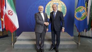 The Minister of Foreign Affairs of the Islamic Republic of Iran, H.E. Mr. Mohammad Javad Zarif (left) and OPCW Director-General Ahmet Üzümcü.