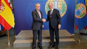 OPCW Director-General Ahmet Üzümcü (right) and the Minister of Foreign Affairs and Cooperation of the Kingdom of Spain, H.E. Mr Alfonso Dastis Quecedo
