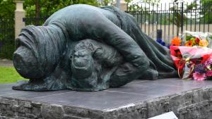A monument in memory of the victims of a chemical weapons attack on the town of Halabja in March 1988.