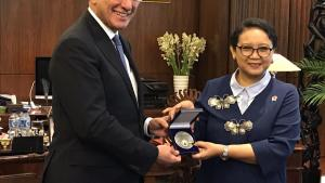 OPCW Director-General Ahmet Üzümcü (left) and Minister of Foreign Affairs of the Republic of Indonesia, H.E. Retno L.P. Marsudi.
