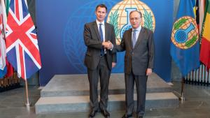 OPCW Director-General, Ambassador Fernando Arias, with Secretary of State for Foreign and Commonwealth Affairs of the United Kingdom, Rt Hon Jeremy Hunt MP
