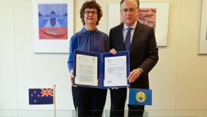 OPCW Director-General, H.E. Mr Fernando Arias, and the Permanent Representative of New Zealand to the OPCW, H.E. Ambassador Lyndal Walker