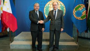 OPCW Director-General, H.E. Mr Fernando Arias, and the Undersecretary of the Philippine Department of Foreign Affairs for Policy, Mr Enrique A. Manalo